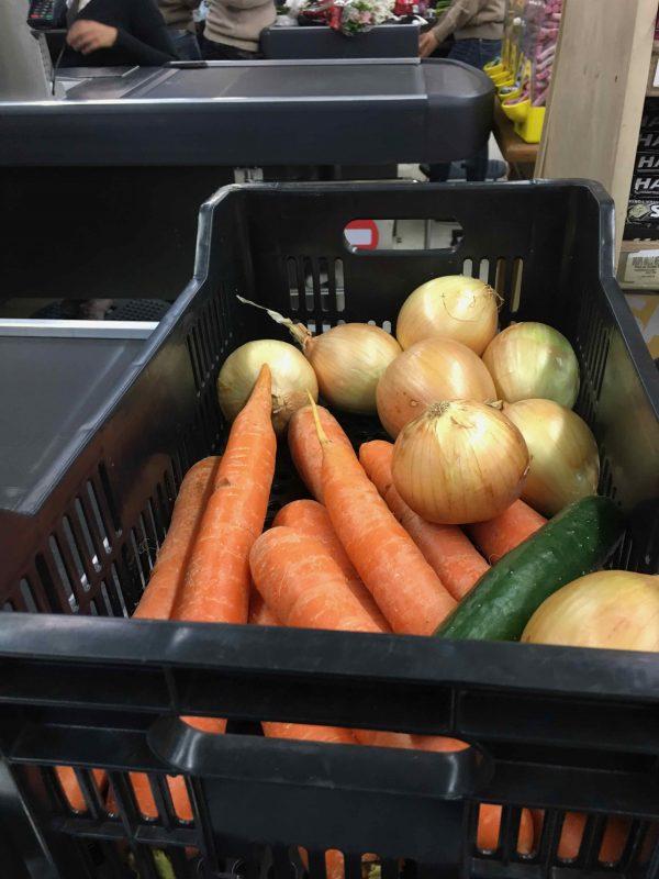 Já pensou em fazer suas compras no supermercado levando sua cesta e não usando plásticos?