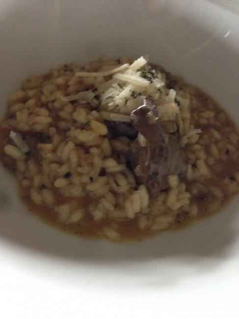 Risoto de fígado de galinha e sálvia & Salada de rúcula com fígado de frango agridoce